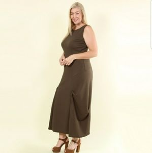 Rumi Ruched Sides Maxi Dress